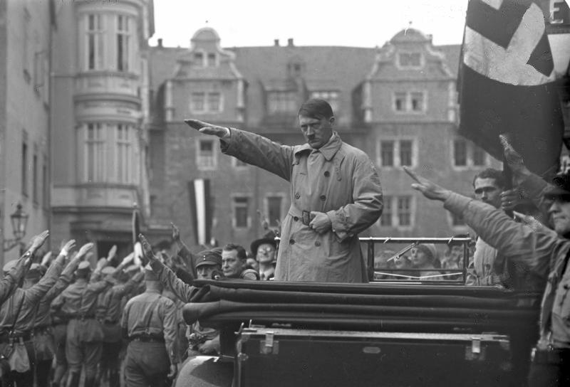 Hitler odiava gli ebrei